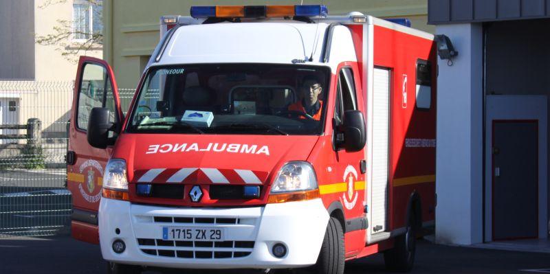 Sapeurs-Pompiers de Plonéour-Lanvern : Véhicule de Secours et Assistance aux Victimes (VSAV)